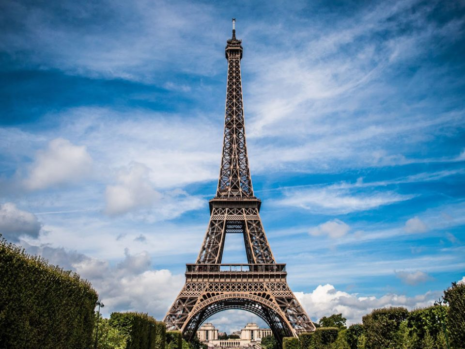 eiffel-tower-975004