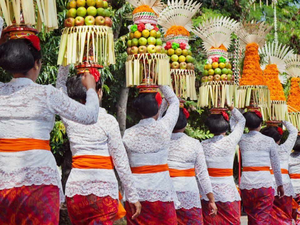 tradiciones-y-culturas-extranas-del-mundo-1440×810